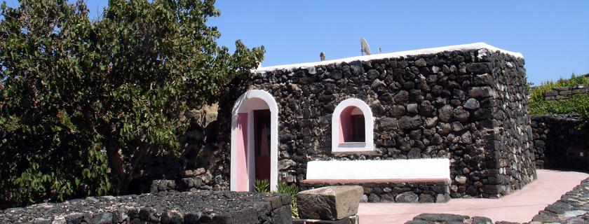 casa vacanze pantelleria, dammusi in affitto pantelleria